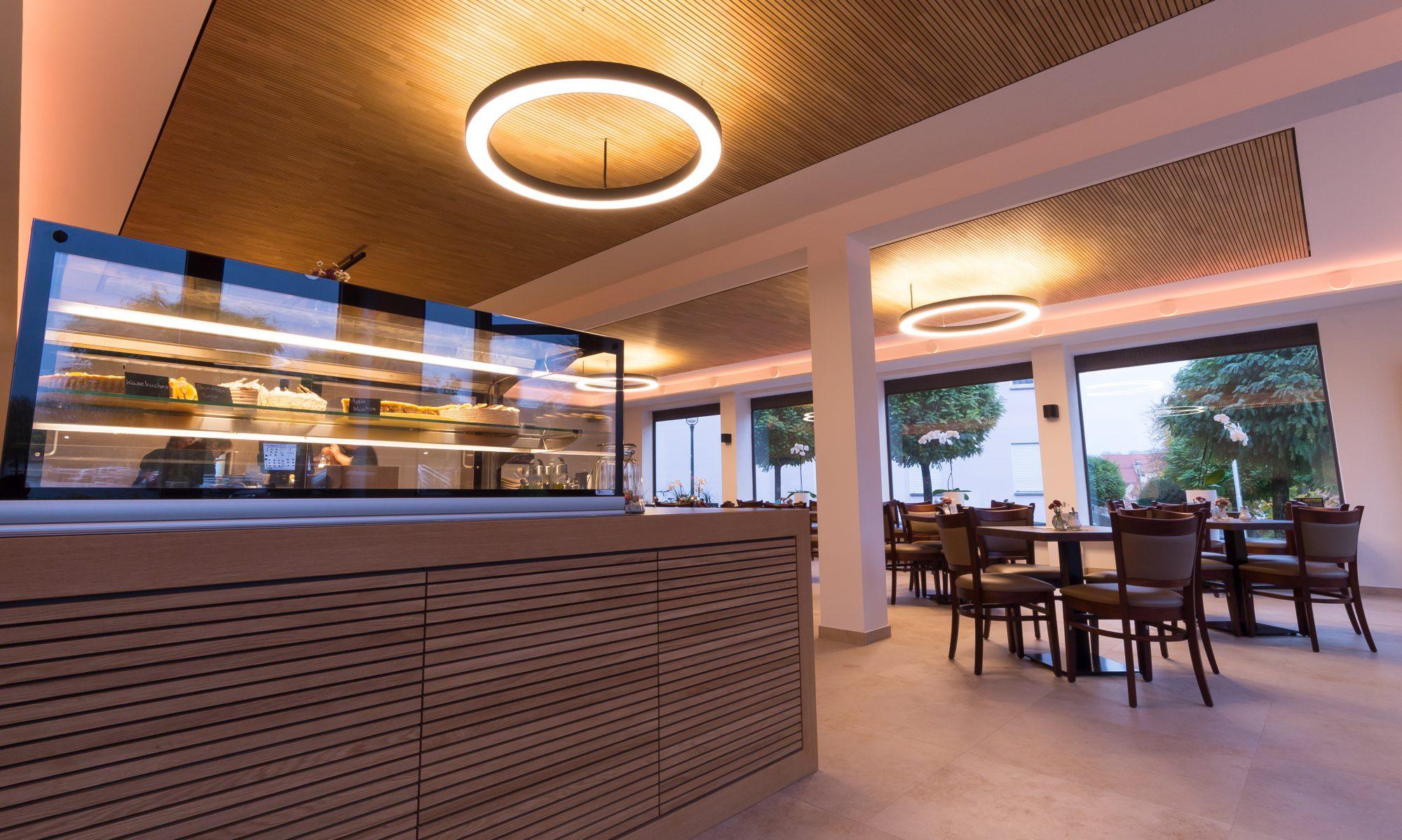 H E I N Z - Cafe | Louge | Bar